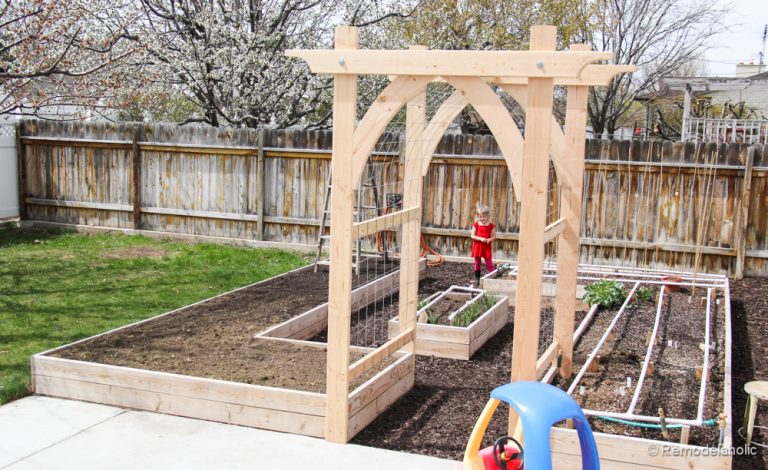 Vegetable-Garden-Arbor-DIY-Plans-2-of-5-768x470